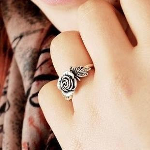 Retro Rose Ring