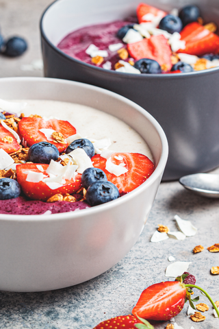Smoothie-bowl-berries