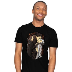 Game of Kisses - Mens - T-Shirts - RIPT Apparel