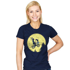 Dream Moon - Womens - T-Shirts - RIPT Apparel