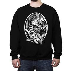 GOD SAVE QUEENS - Crew Neck Sweatshirt - Crew Neck Sweatshirt - RIPT Apparel