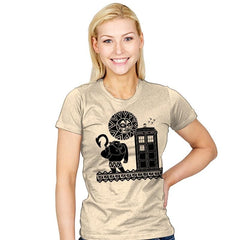 Maui Meets The Doctor - Womens - T-Shirts - RIPT Apparel