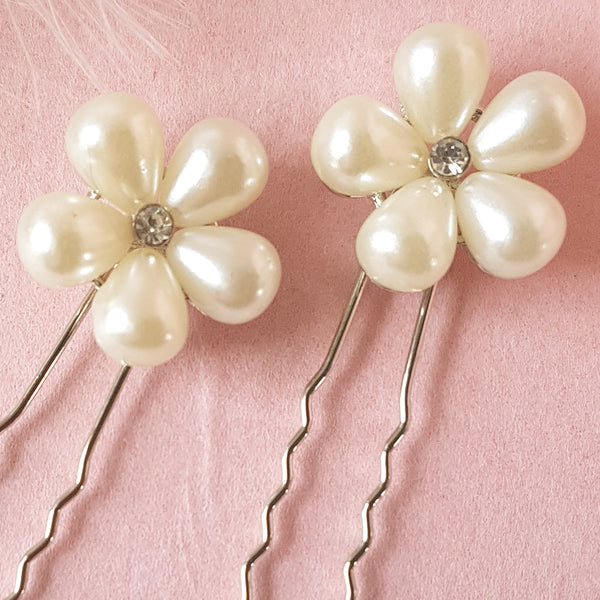 Heart Throb Pearl Flower Bridal Hair Pins For Weddings