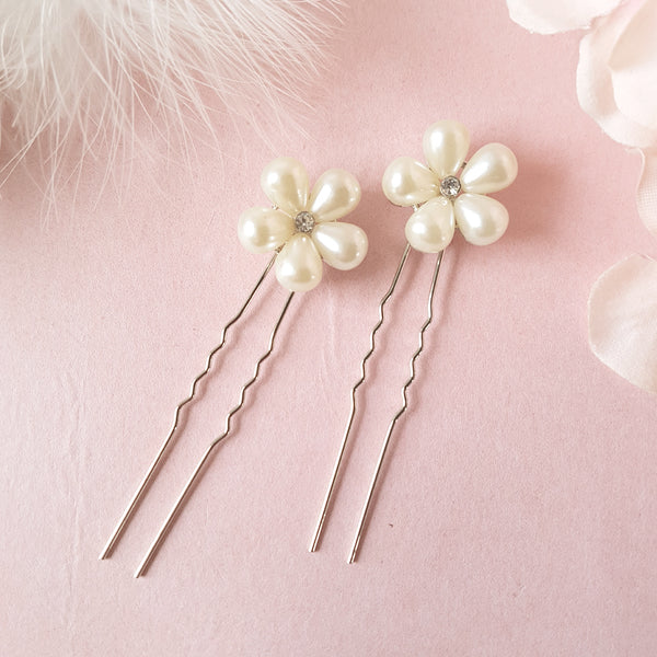 Heart Throb Pearl Flower Wedding Hair Pins