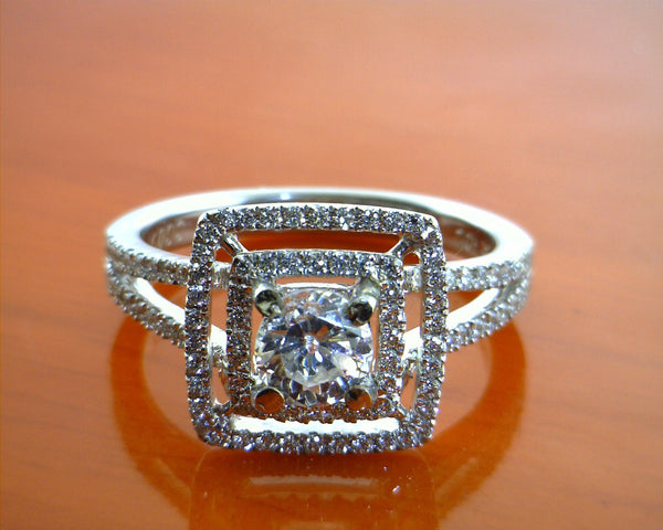 The court in the square wedding rings