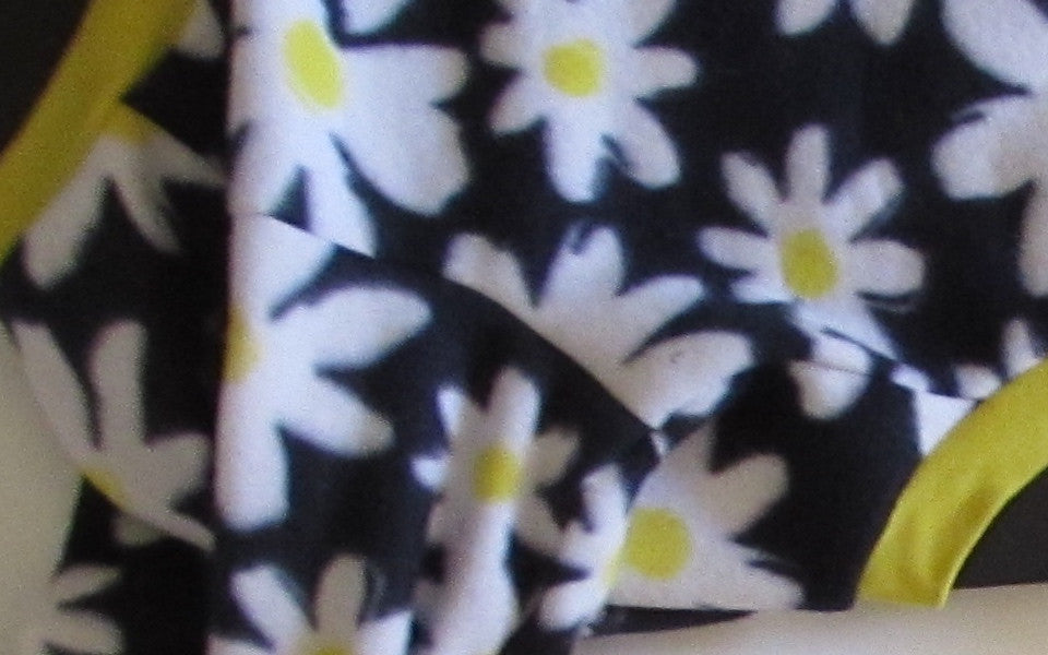 Navy Daisy Large
