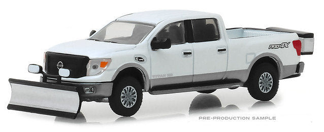 #30021 1/64 White 2018 Nissan Titan XD Pro-4X with Snow Plow & Salt Spreader