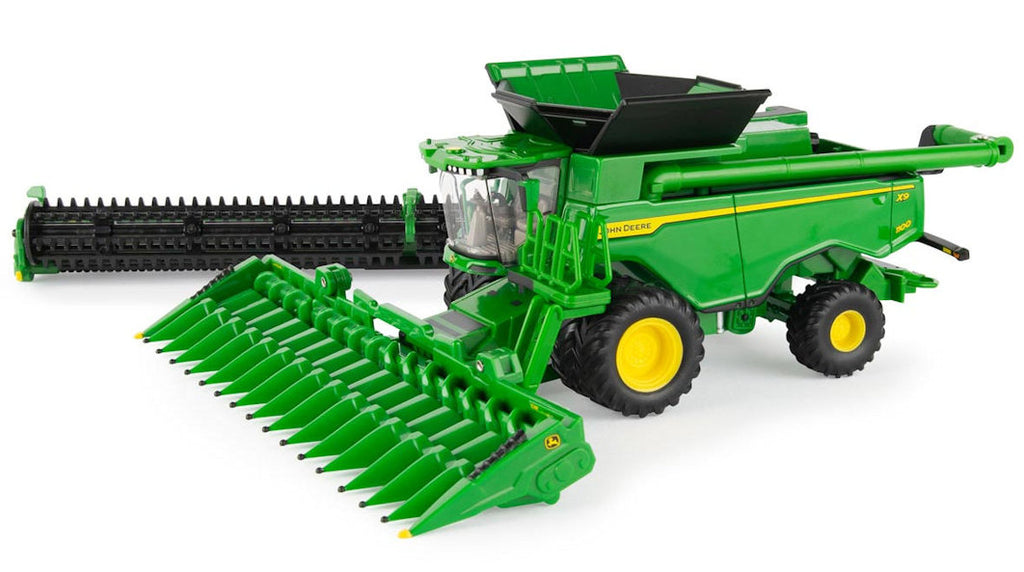 #45735 1/64 John Deere X9 1100 Combine with Duals Prestige Collection