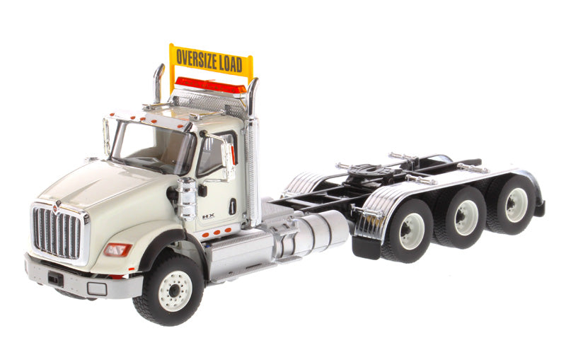 1/50 International HX620 Triple Axle Tractor, Assorted Colors