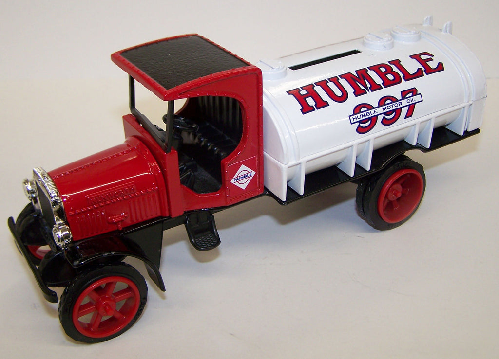 #9073 1/25 Humble Motor Oil 1925 Kenworth Tanker Truck Bank