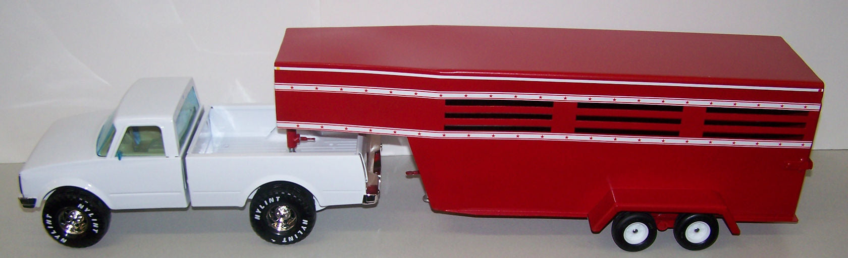 1/16 Custom Built Livestock Trailer