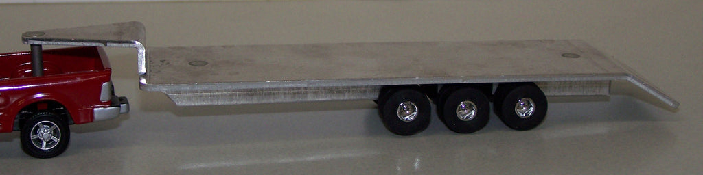 #ST411 1/64 24' Triple Axle Gooseneck Flatbed Trailer