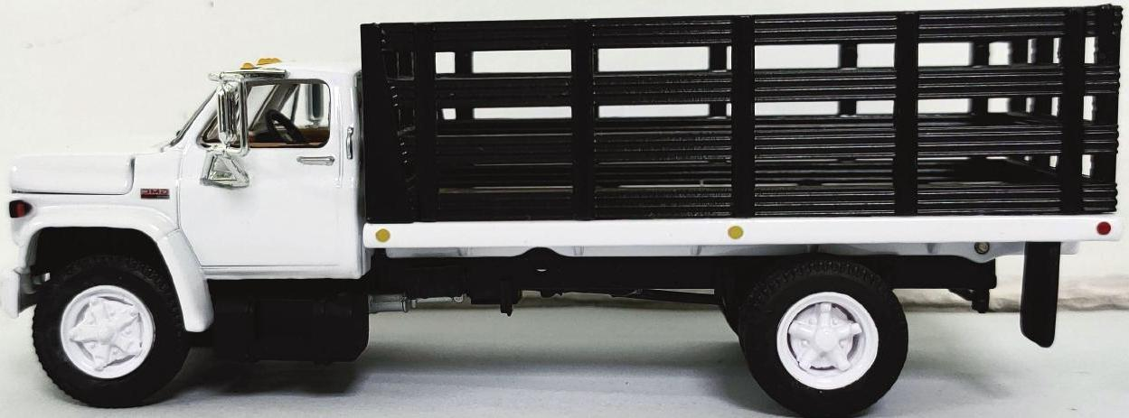 #60-0891 1/64 White & Black GMC 6500 Single Axle with Stake Bed
