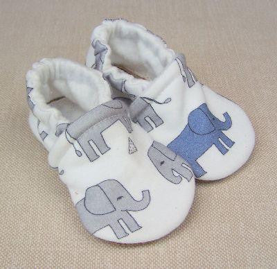 *Snow & Arrow Slippers - size 0 to 3 months