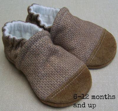*Snow & Arrow Slippers - 12 to 18 months