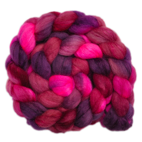 BFL Wool / Trilobal Nylon 70/30% Roving - Contented Heart 1 - 3.9 ounces