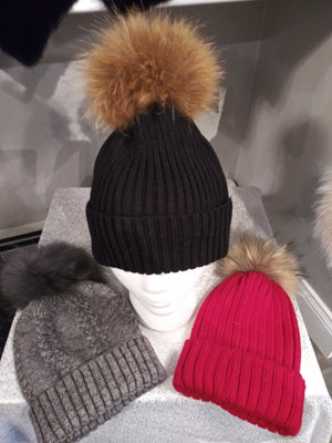 Wool hat with fur pompom