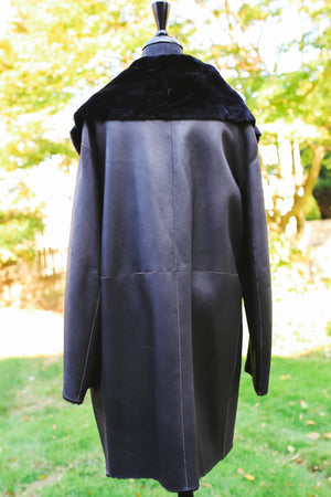 Nuuk Shearling Coat with Black Fur Collar