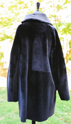 Nuuk Shearling Coat with Fur Collar