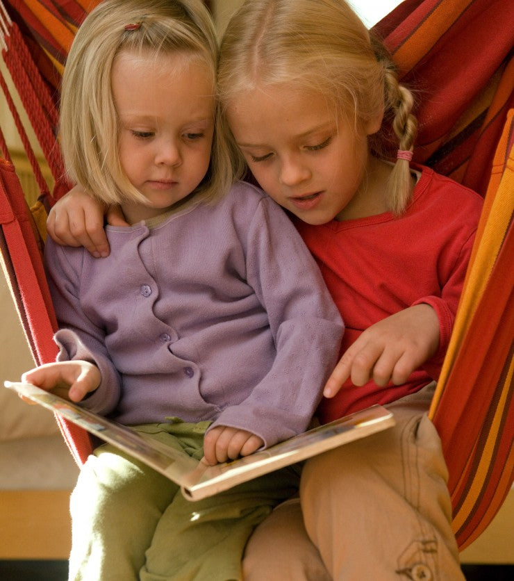 sisters-reading