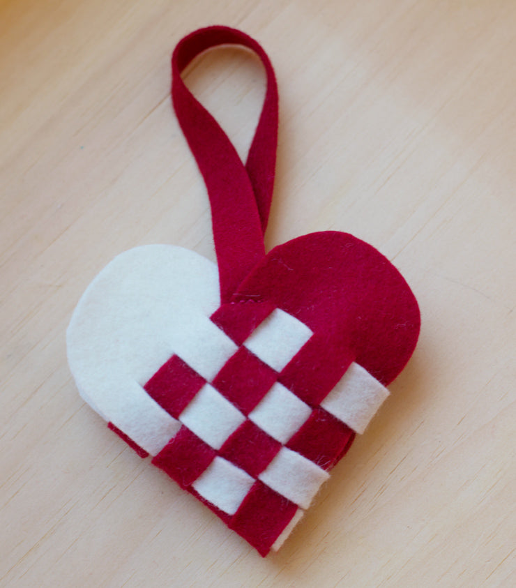 woven-heart-with-handle