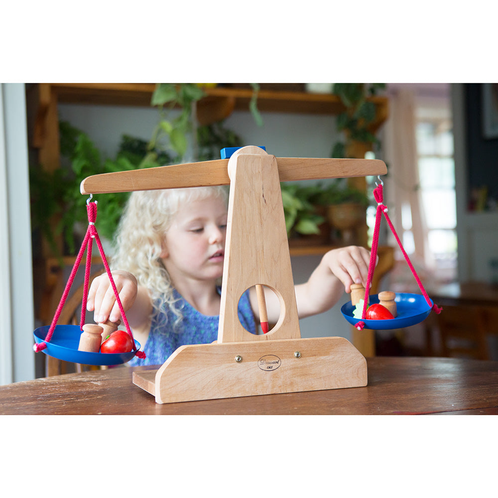 wooden scale with weights- nova natural