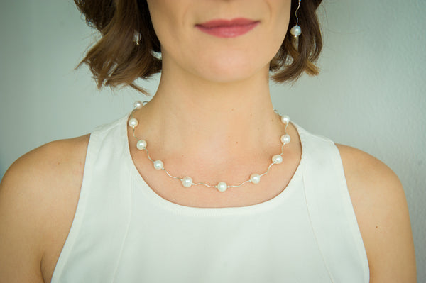 N005145 - White Pearl and Wavy Sterling Silver Necklace
