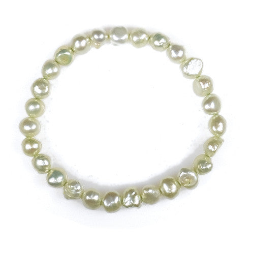 B005041 - Light Green Pearl Bracelet