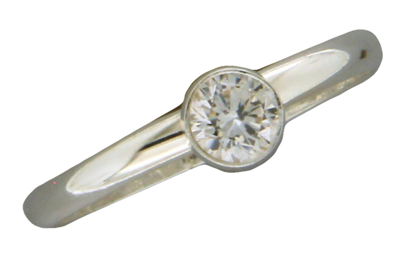 R064006 - Sterling Silver and Round Bezel Set Cubic Zirconia Ring