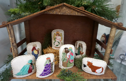 7 piece nativity with stitched white background