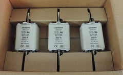 BOX OF 3 NEW SIEMENS 3NE3227 FUSES SITOR 250A, 1000VA.C.