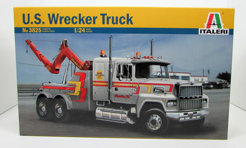 Italeri 3825 US Wrecker Truck 1/24 New Plastic Model Truck Kit
