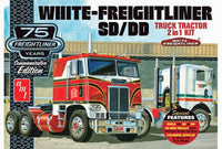 AMT White Freightliner 2-in-1 SD/DD Cabover 1046 1/25 Model Building Kit - shore-line-hobby