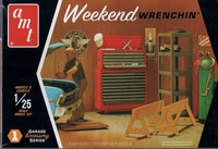 AMT PP15 Weekend Wrenchin' Garage Tools and Accessories Set 1 Model Kit 1/25
