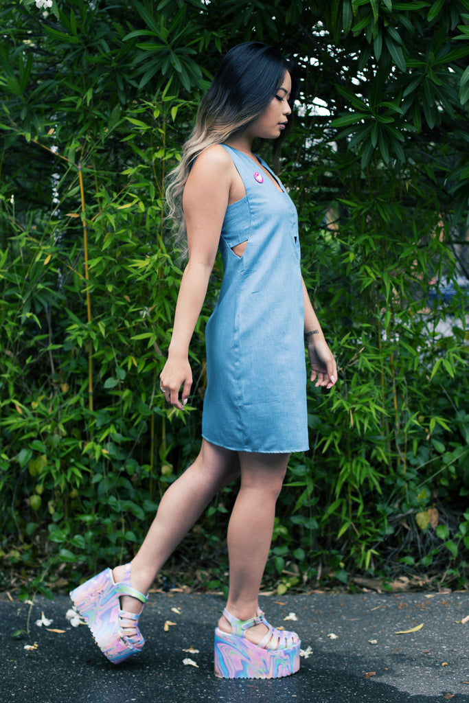 Peek-A-Boo Chambray Dress - So International   - 2