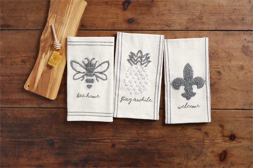 "Pineapple ""Stay Awhile"" Knot Towel"