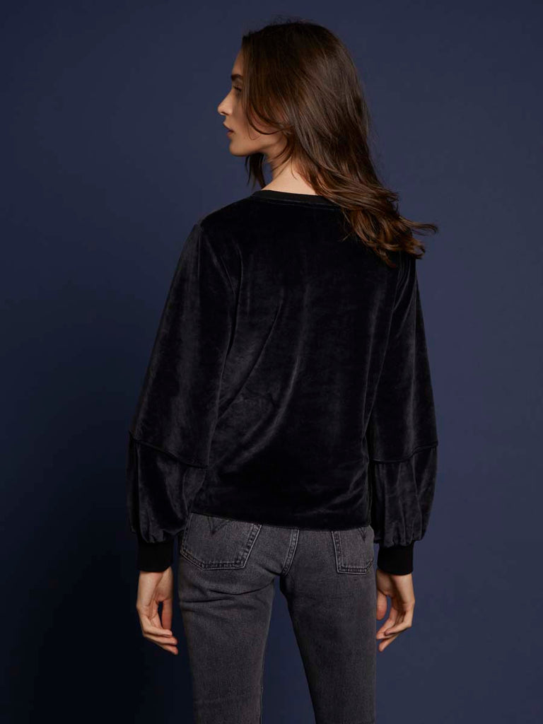 Kiera Velour Sweatshirt in Black