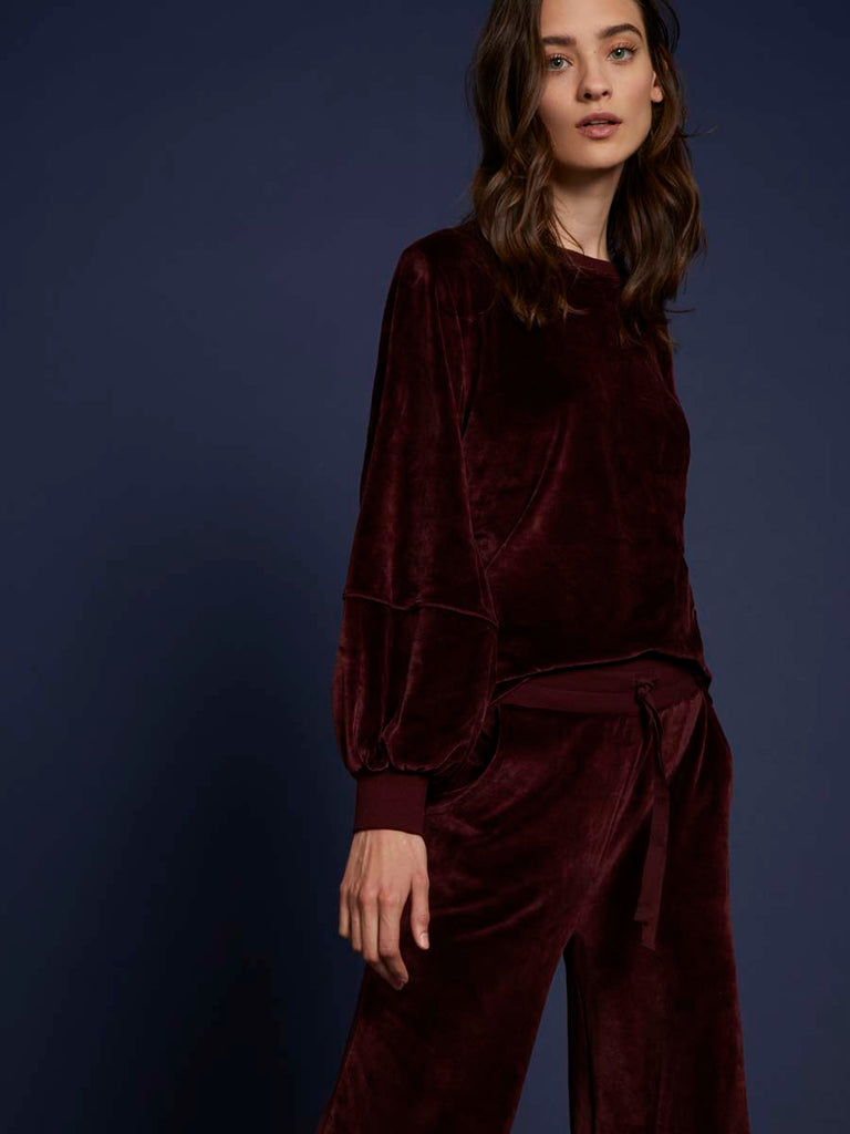 Kiera Velour Sweatshirt in Cabernet