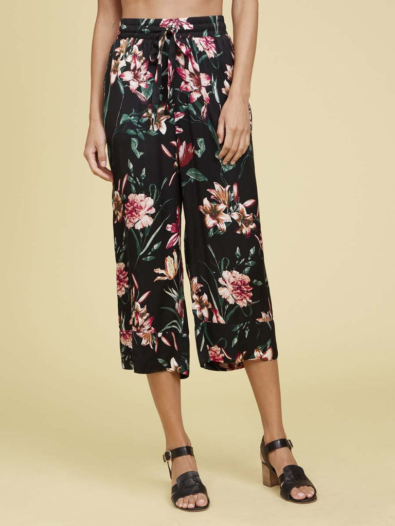 Nation LTD San Vicente Crop in Floral in Black Lily