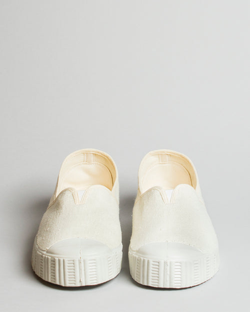Special V Slip-On Cream 2