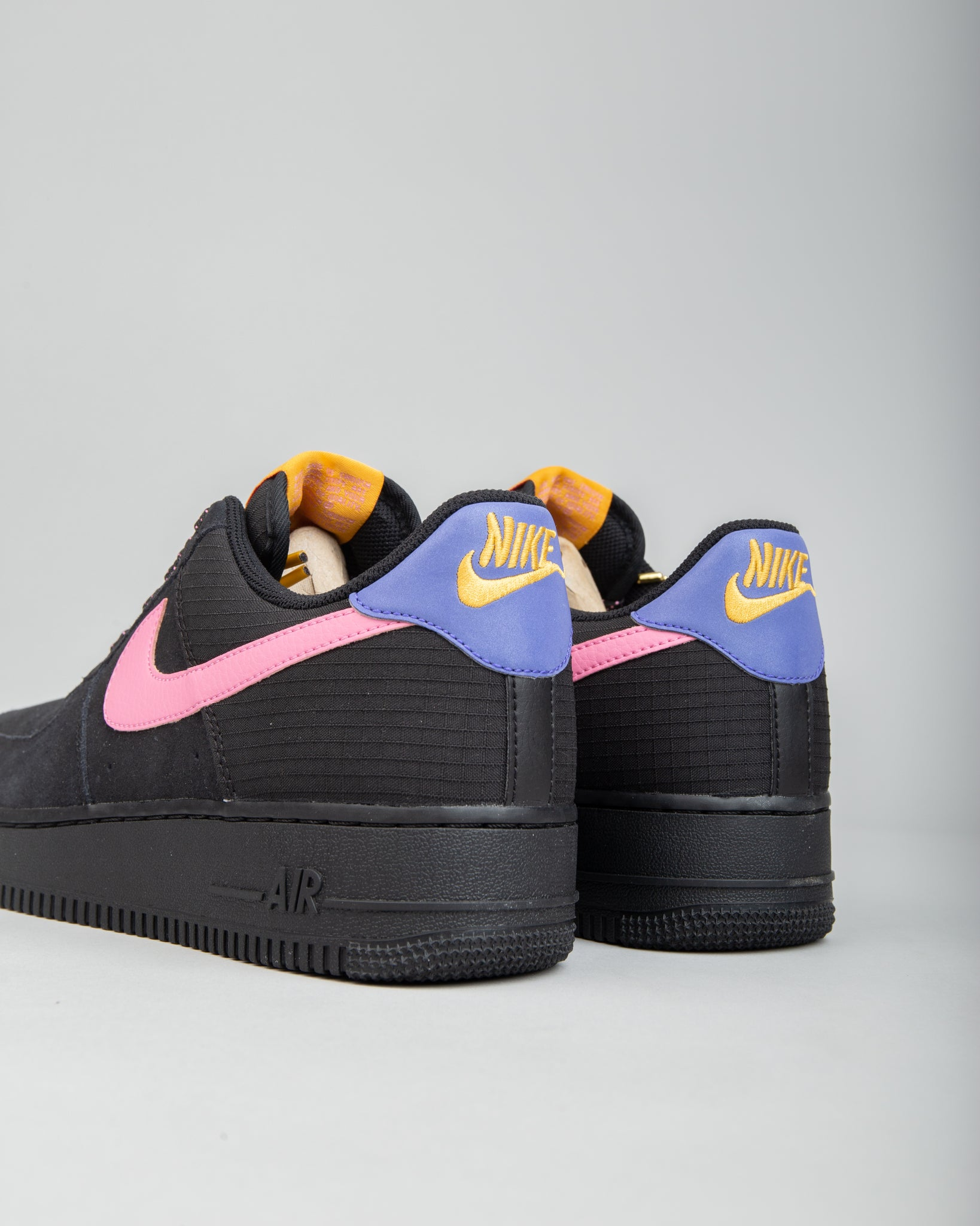 Air Force 1 '07 LV8 Black/Magic Flamingo/Persian Violet