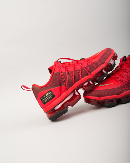 Air VaporMax Run Utility CNY University Red/Metallic Gold/Black 2