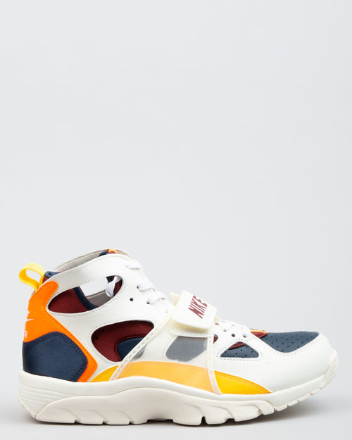 Air Trainer Huarache QS White/Team Red/Laser Orange 1