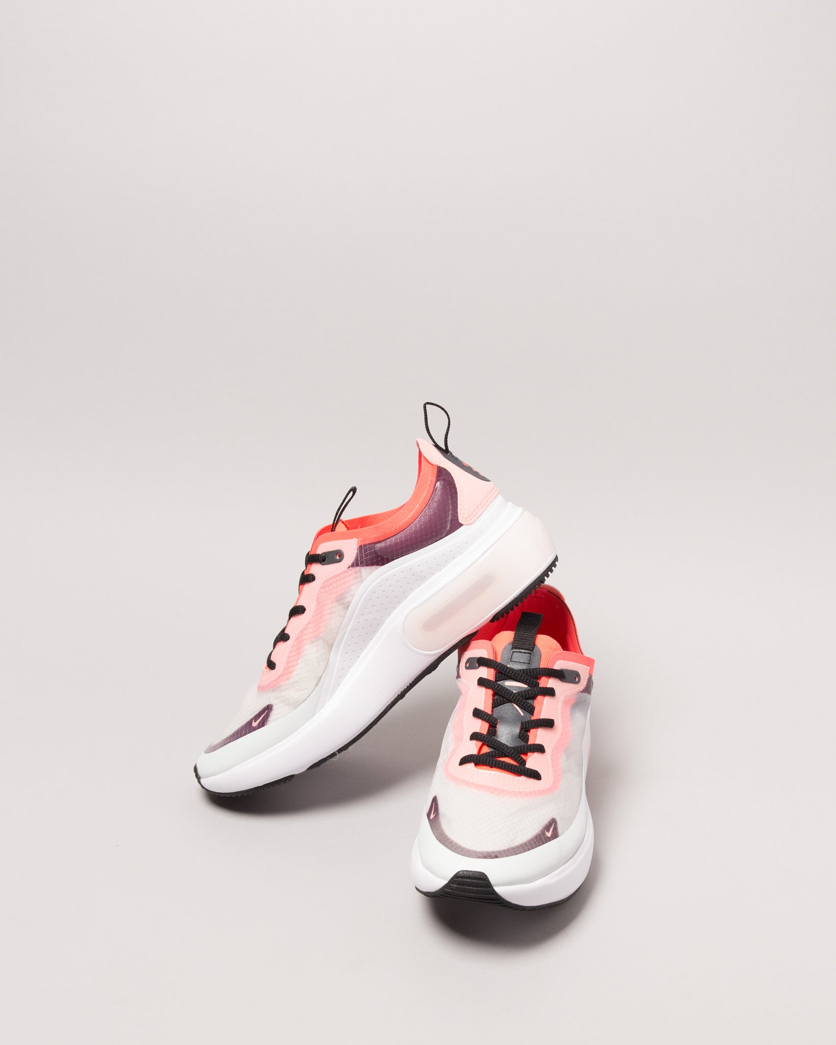 W Air Max DIA SE QS Off White/Black/White/Flash Crimson