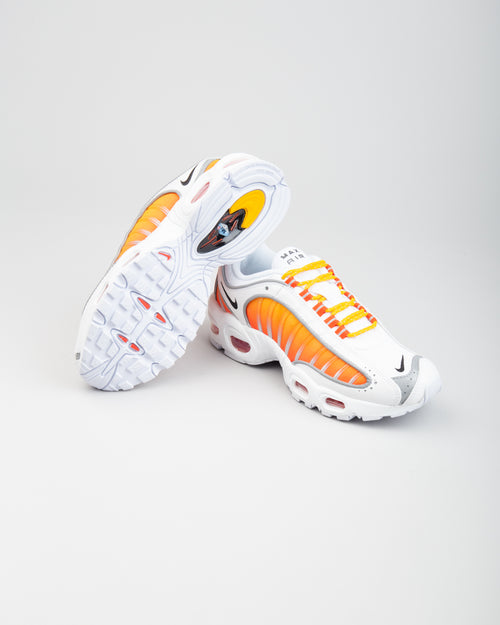 W Air Max Tailwind IV NRG White/Black/University Gold 2