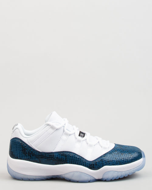 Air Jordan 11 Retro Low LE White/Black/Navy 1