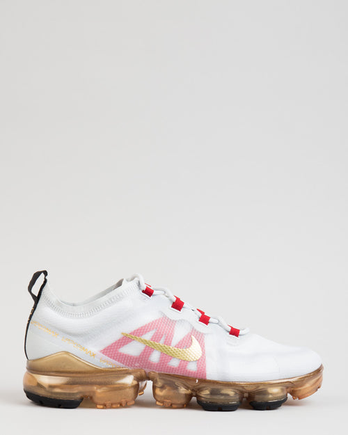 Air VaporMax 2019 CNY Pure Platinum/Metallic Gold/Gym Red 1