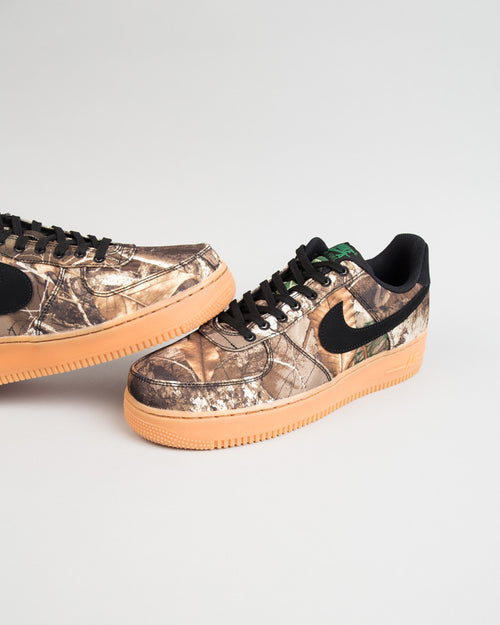 Air Force 1 '07 LV8 Black/Black/Aloe Verde/Gum 2