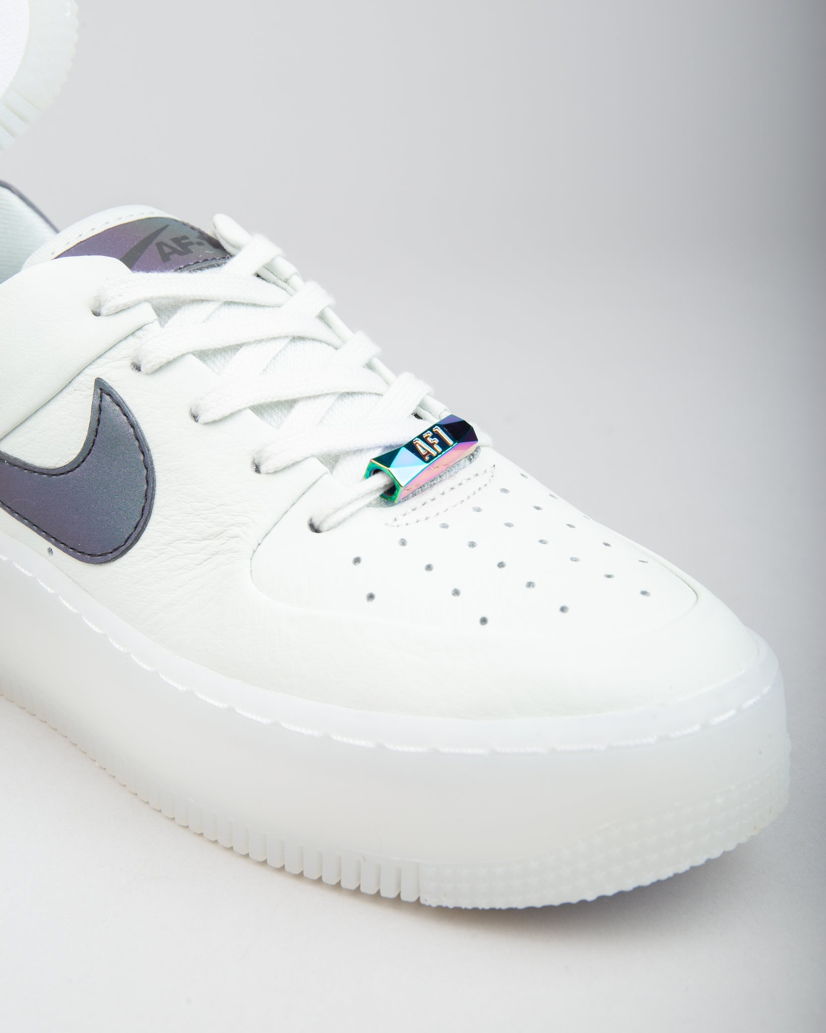 W Air Force 1 Sage Low LX Spruce AuraBlank White