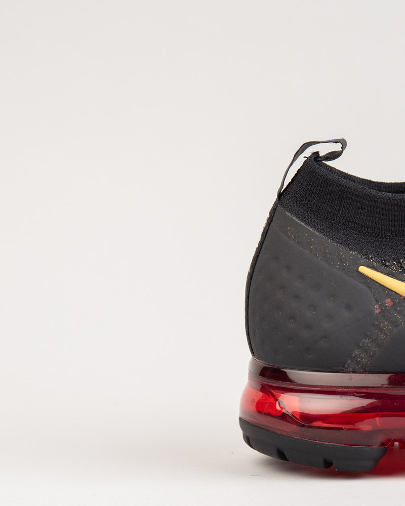 Air VaporMax Flyknit 2 CNY Black/Metallic Gold/University Red